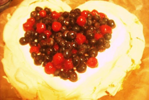The Valentine Pavlova and a diabolically delicious filling!